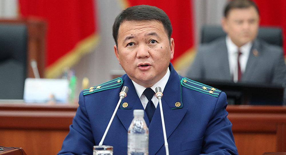 Депутат мурдагы башкы прокурор Өткүрбек Жамшитовдун кайда жүргөнүн сурады