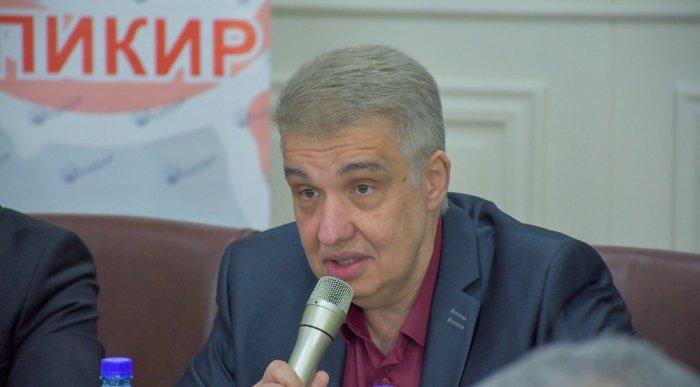 """Шестаков: """"Эмгек"""" партиясынын жеңиши шайлоочулар менен иштешүүнүн натыйжасы"""