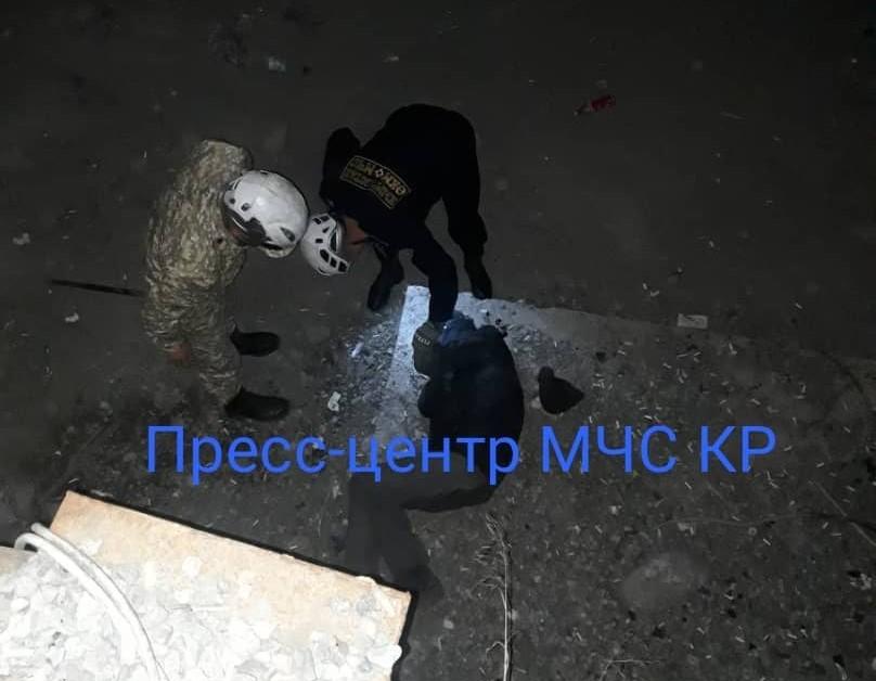 Бишкекте суусуз каналга кулаган тургун жаракат алды – сүрөт