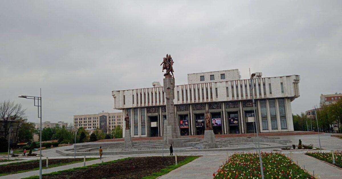 Фоторепортаж: Бишкектеги жазгы көрүнүш
