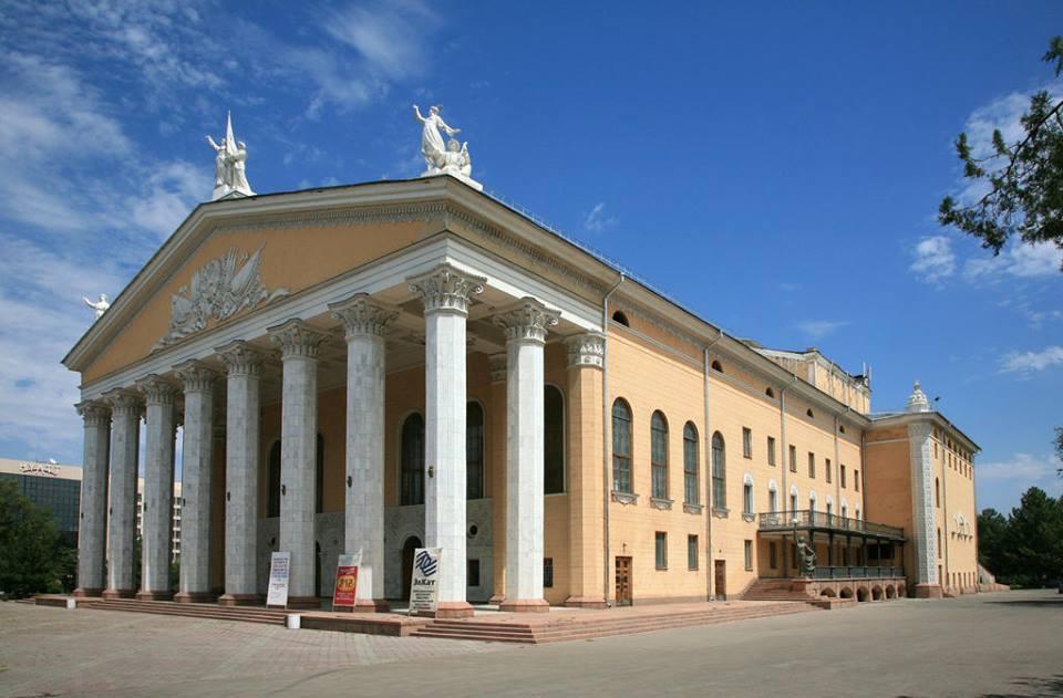 Бишкекте 7 өлкөнүн ырчылары катышкан эл аралык фестиваль өтөт