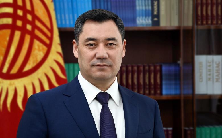 Президент: Кыргызстаныбызда тынчтык, ынтымак, өнүгүү болсун