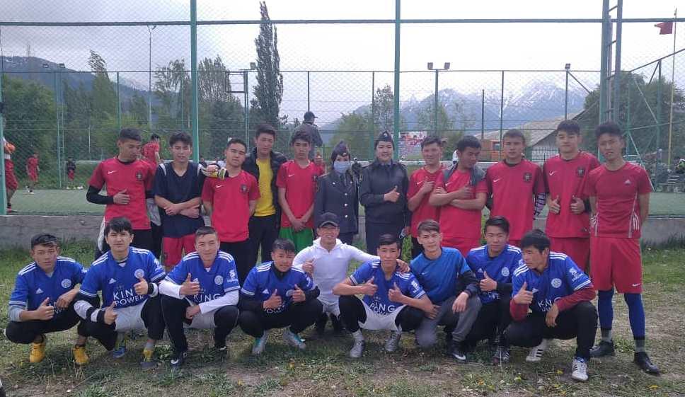 На Иссык-Куле милиционеры организовали турнир по футболу