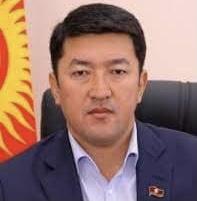 Депутат Алимбеков Баткенде жабыркандарга 3 млн сом бөлдү