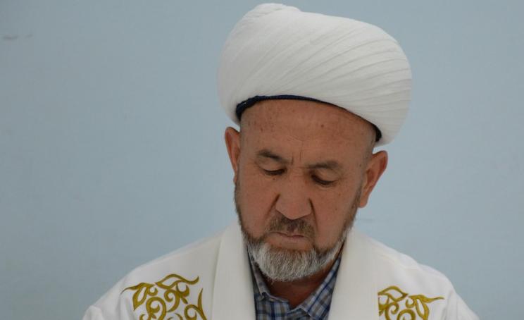 Тажикстанда илим алып, Өзбекстанда иштеген. Аалымдар Кеңешинин төрагасы шайланды