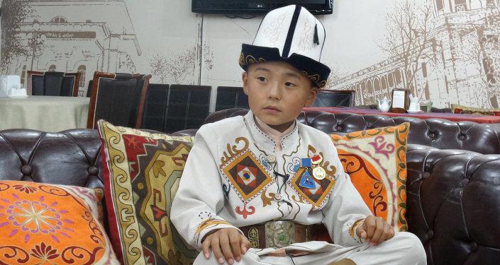 Бишкекте манас айткан наристелерге сынак жарыяланды