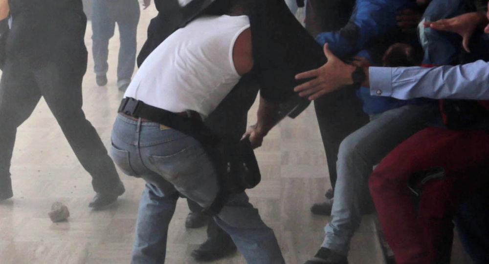 Бишкекте кафеден массалык мушташ чыкты