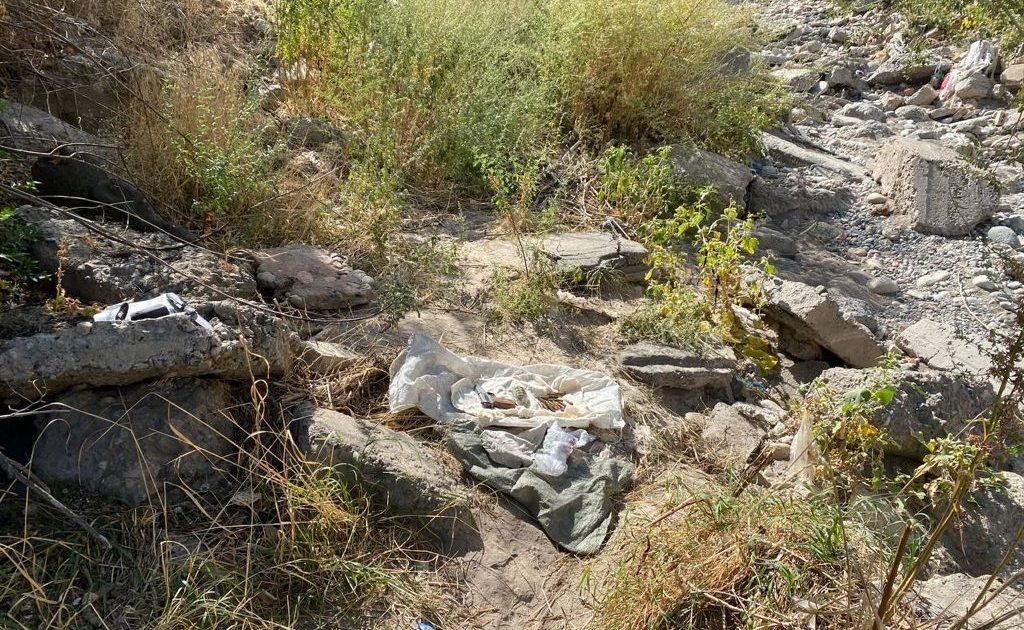 Граната, пистолеты. ГКНБ нашел схрон оружия членов ОПГ