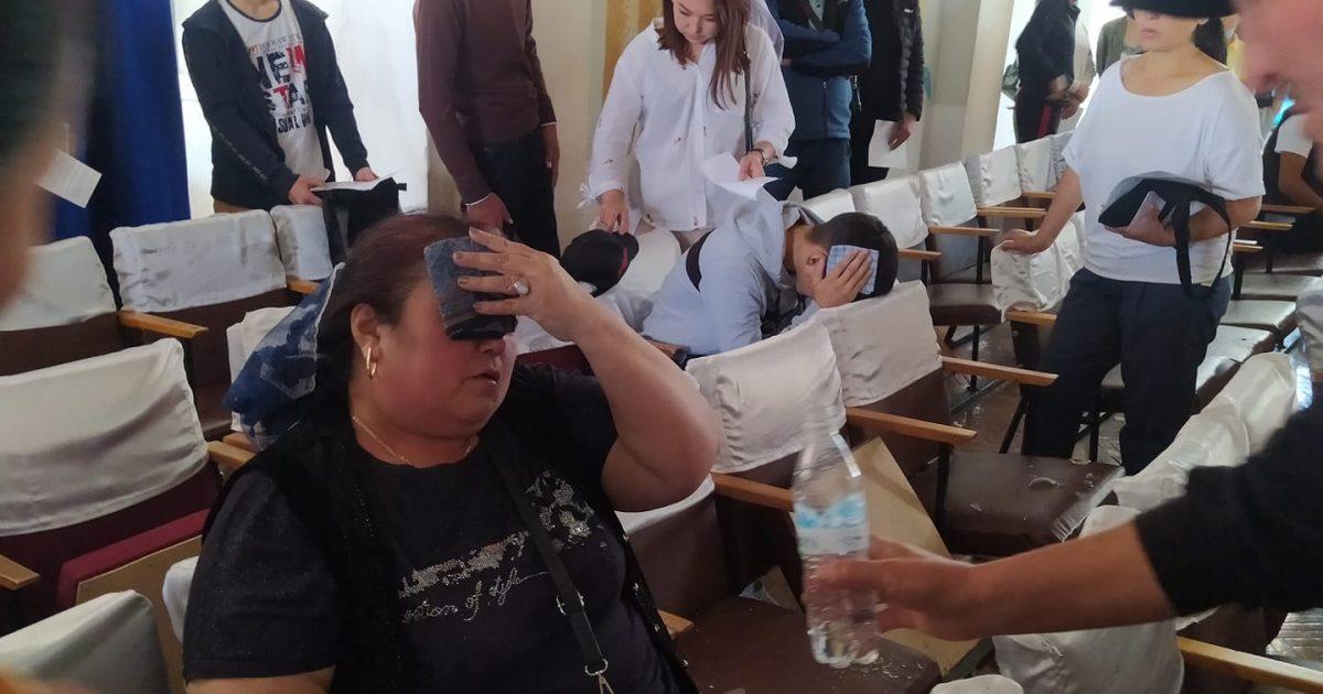 Бишкек: Окуу жайдын биринде люстра кулап, жабыркагандар бар