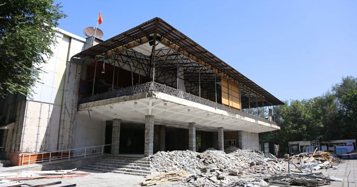 Ош: Бабур театры оңдоло баштады (ФОТО)