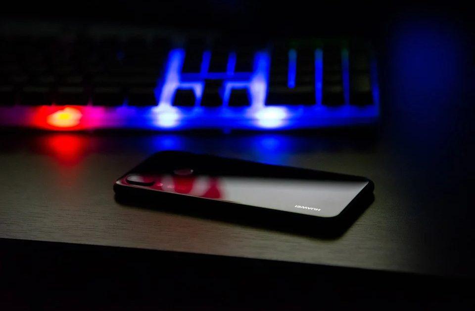 Милиция: Интернетте  алдамчылар көбөйдү