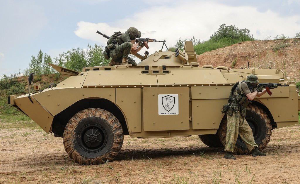 Россия передала армии Таджикистана 12 боевых разведывательных машин