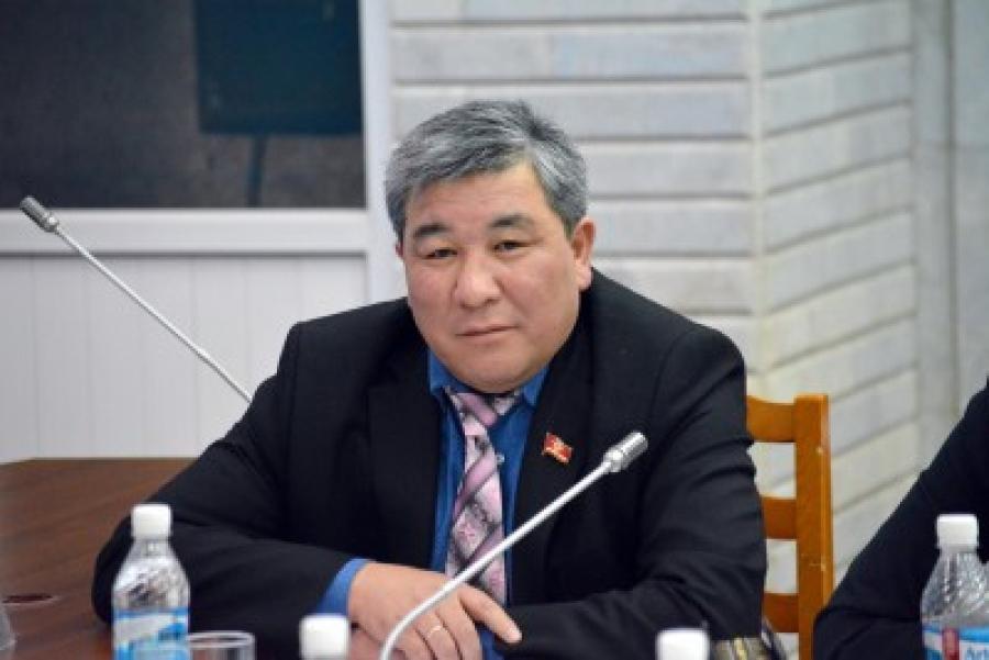 Рыскелди Момбеков опровергает обвинения в избиении таксиста