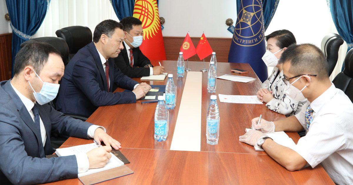 Кытай Кыргызстанга буудай берет