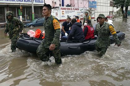 Мексика: Суу ташкындан 17 киши мерт кетти