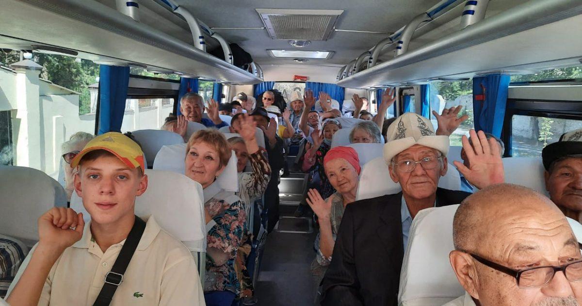 Бишкек мэриясы 50 карыяны эс алдырууга алып кетти (Сүрөт)